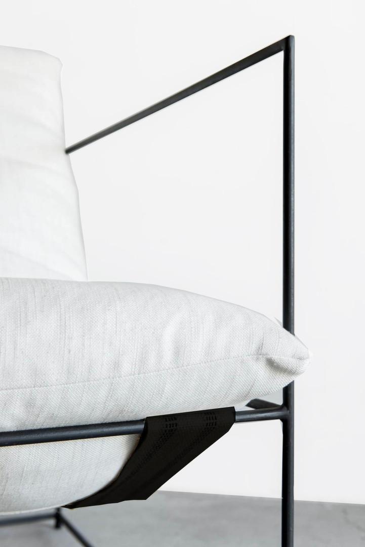 minimal lounger.jpg