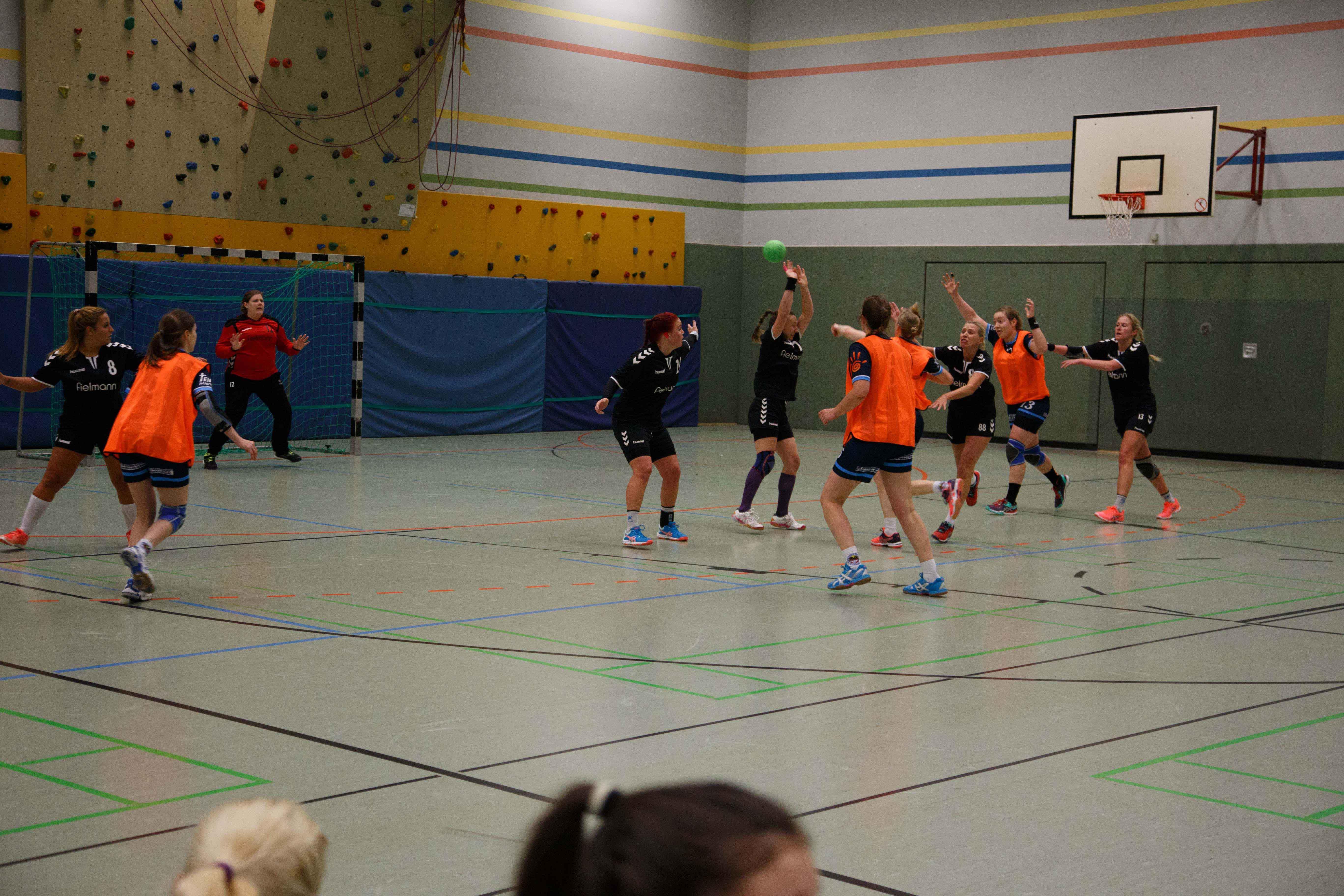 Handball0424