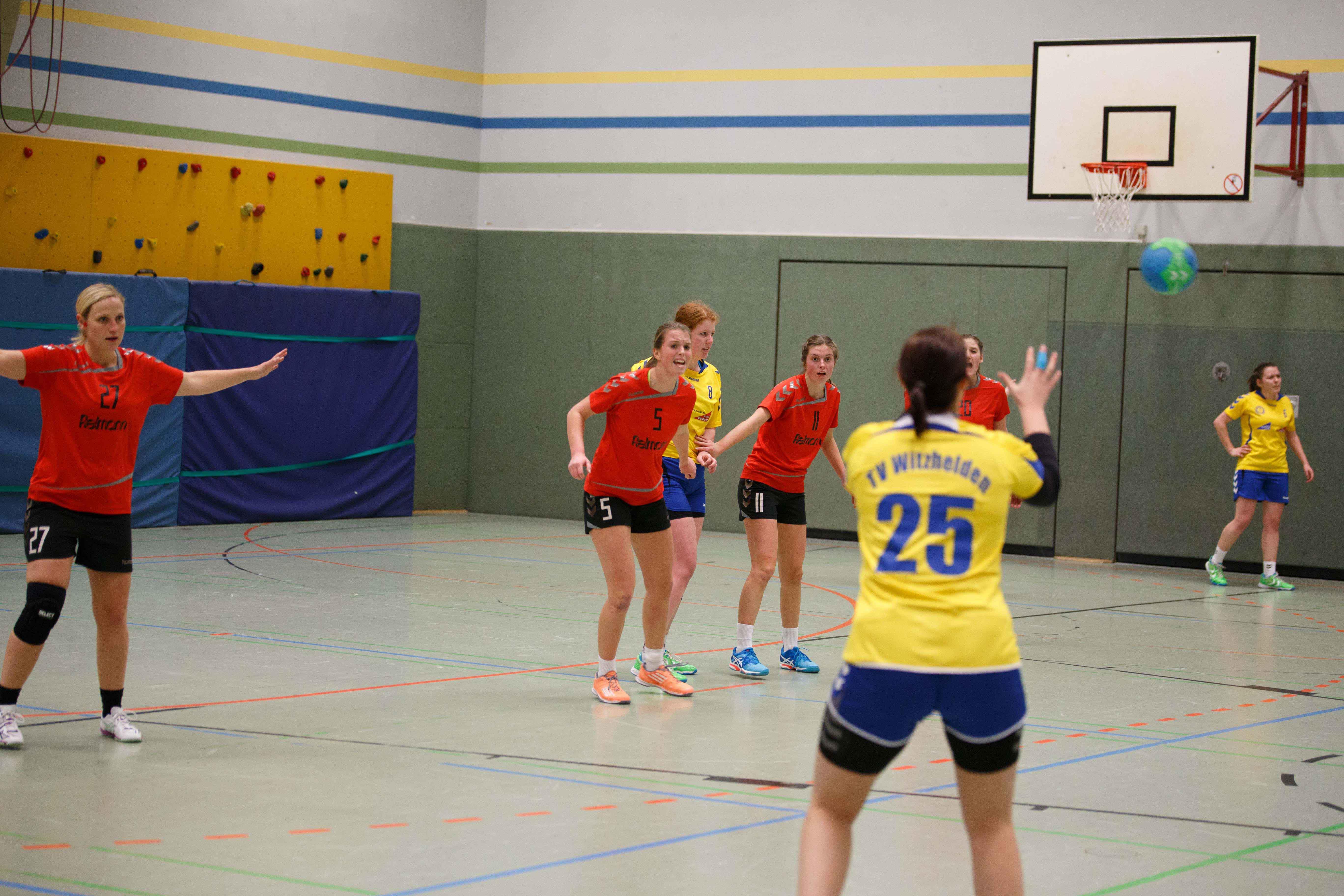 Handball1004