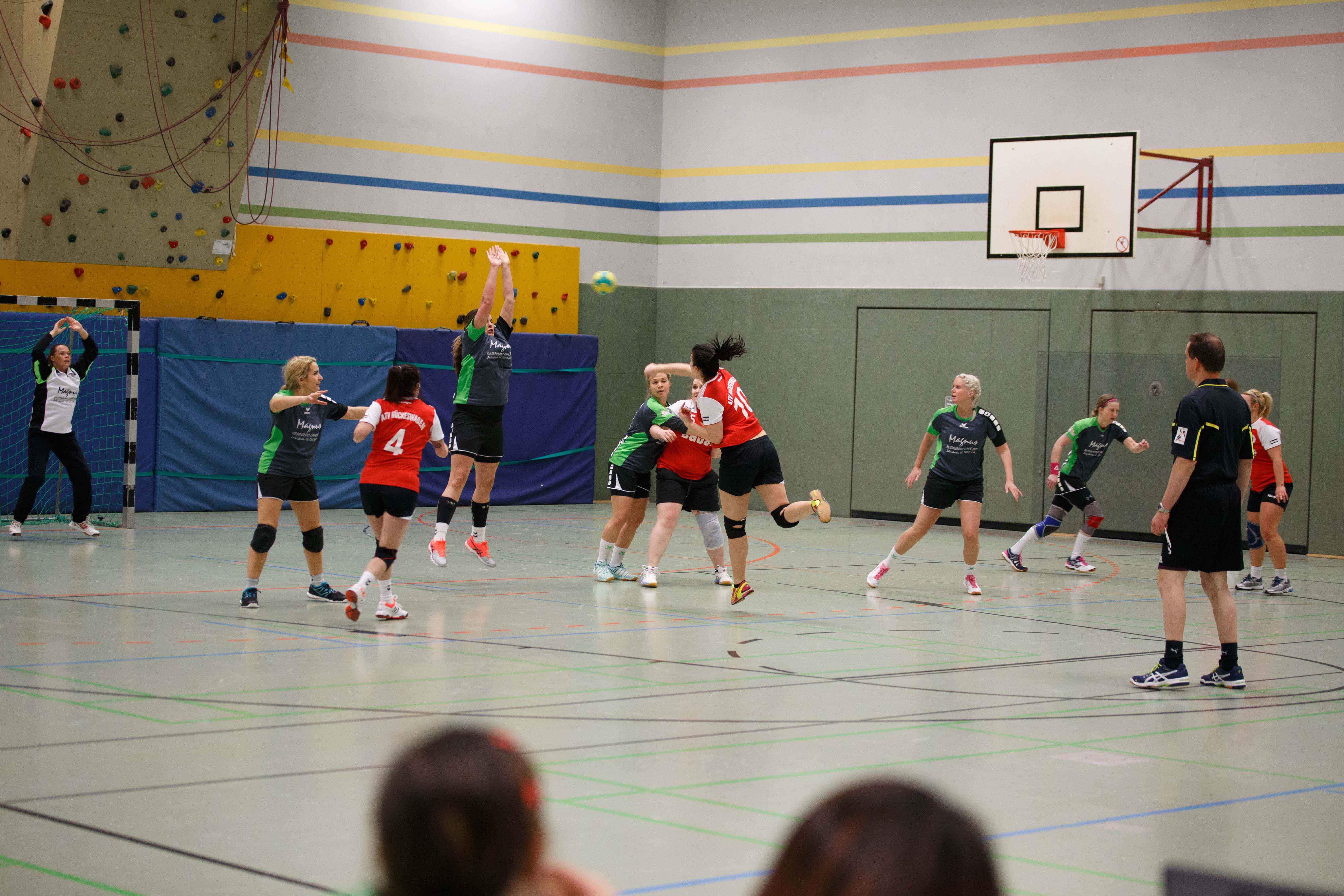 Handball1022