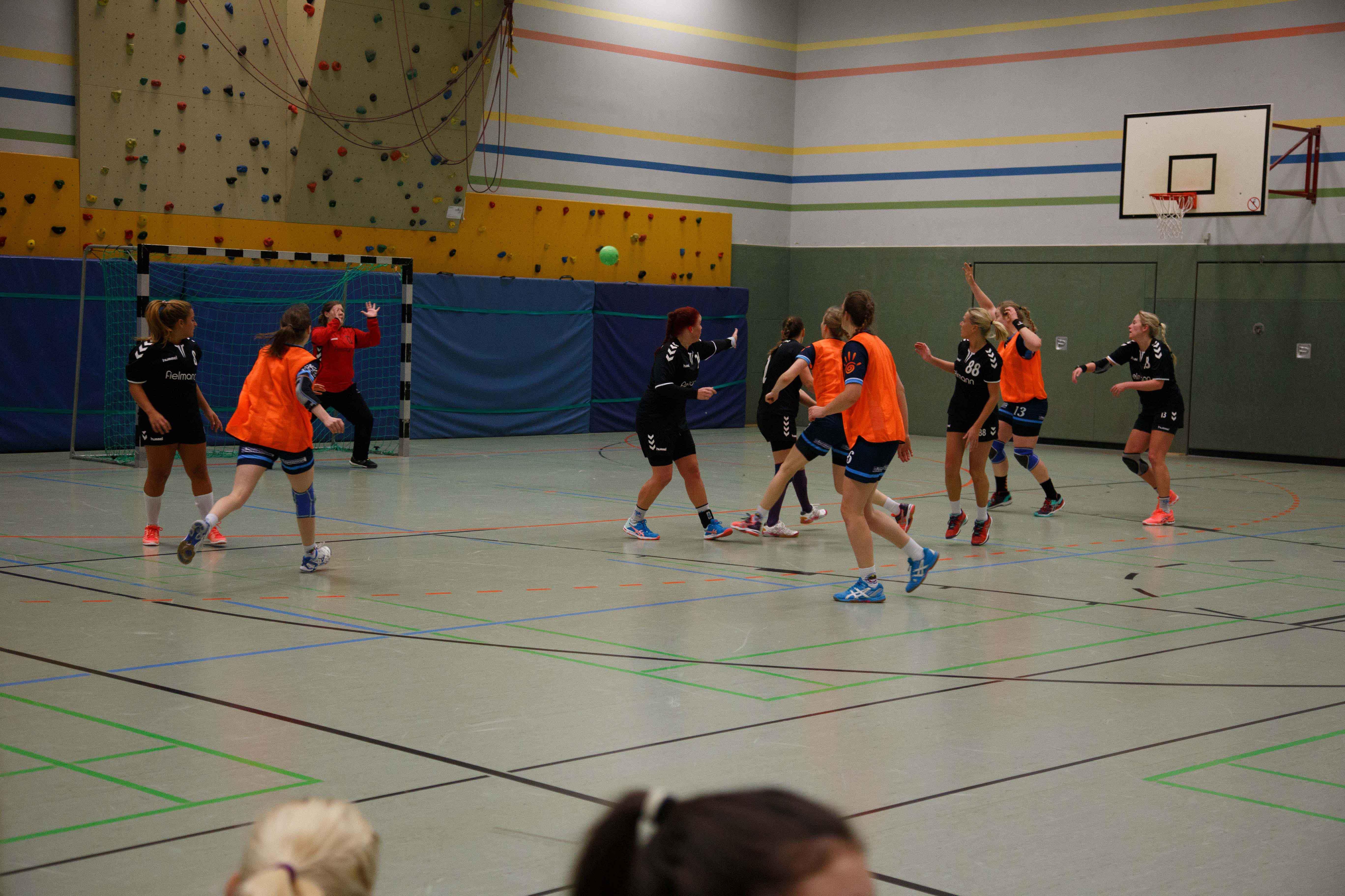 Handball0425