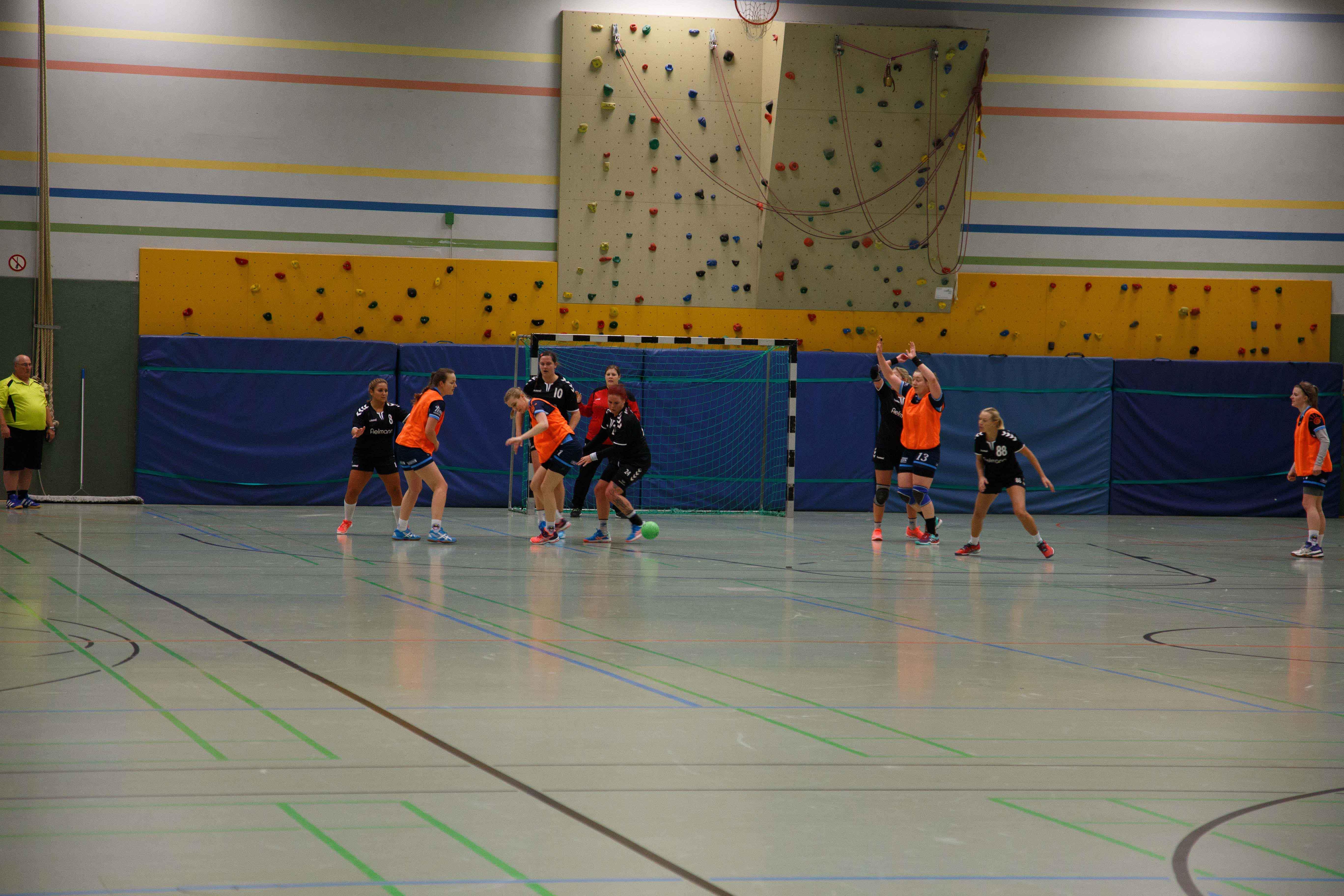 Handball0414