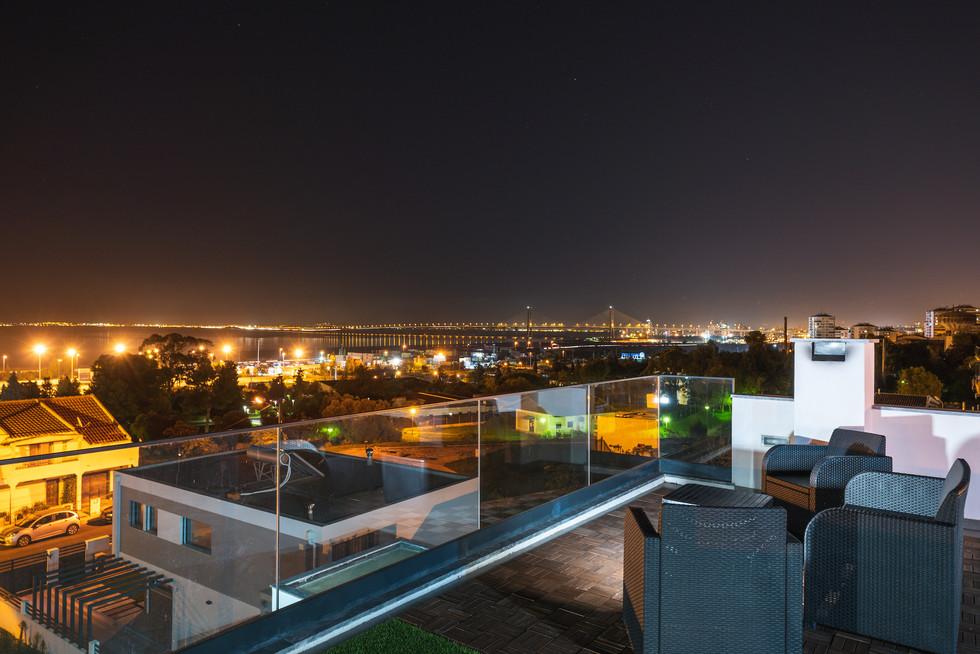 Vista Noturna Terraço Moradia