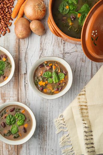 Sopa de Espinafres e Feijão