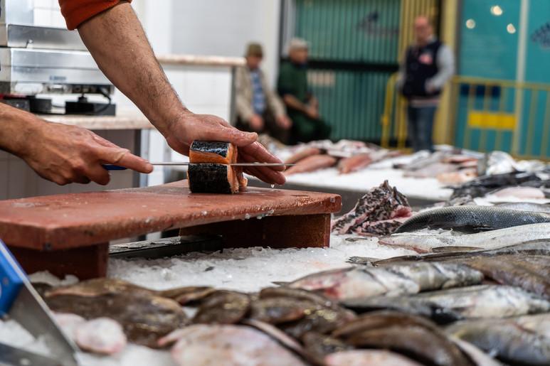 Peixaria no mercado
