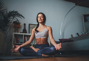 Young healthy beautiful woman in sportiv