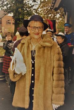 01 - Maxine 30s Mrs Bodan.jpg