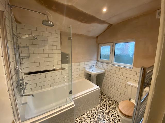 Oweins bathroom.jpg