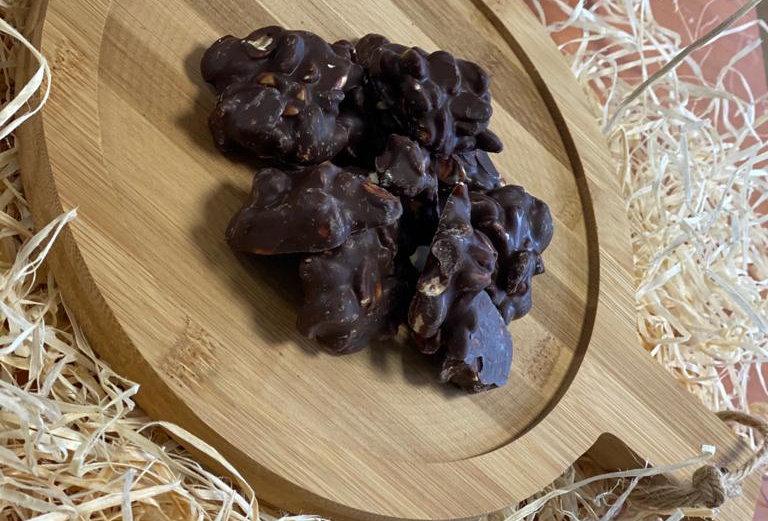 Bitter çikolatalı fıstık