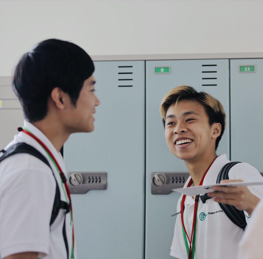 Fellows 2019 in hallway