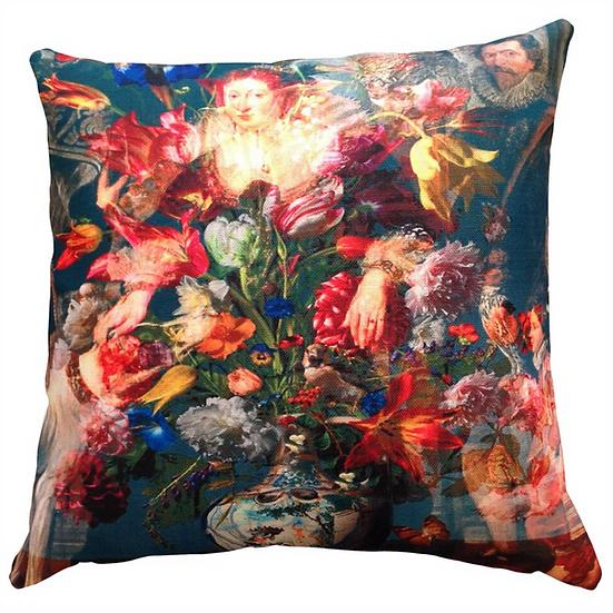 Cushion, Queen Lizzie