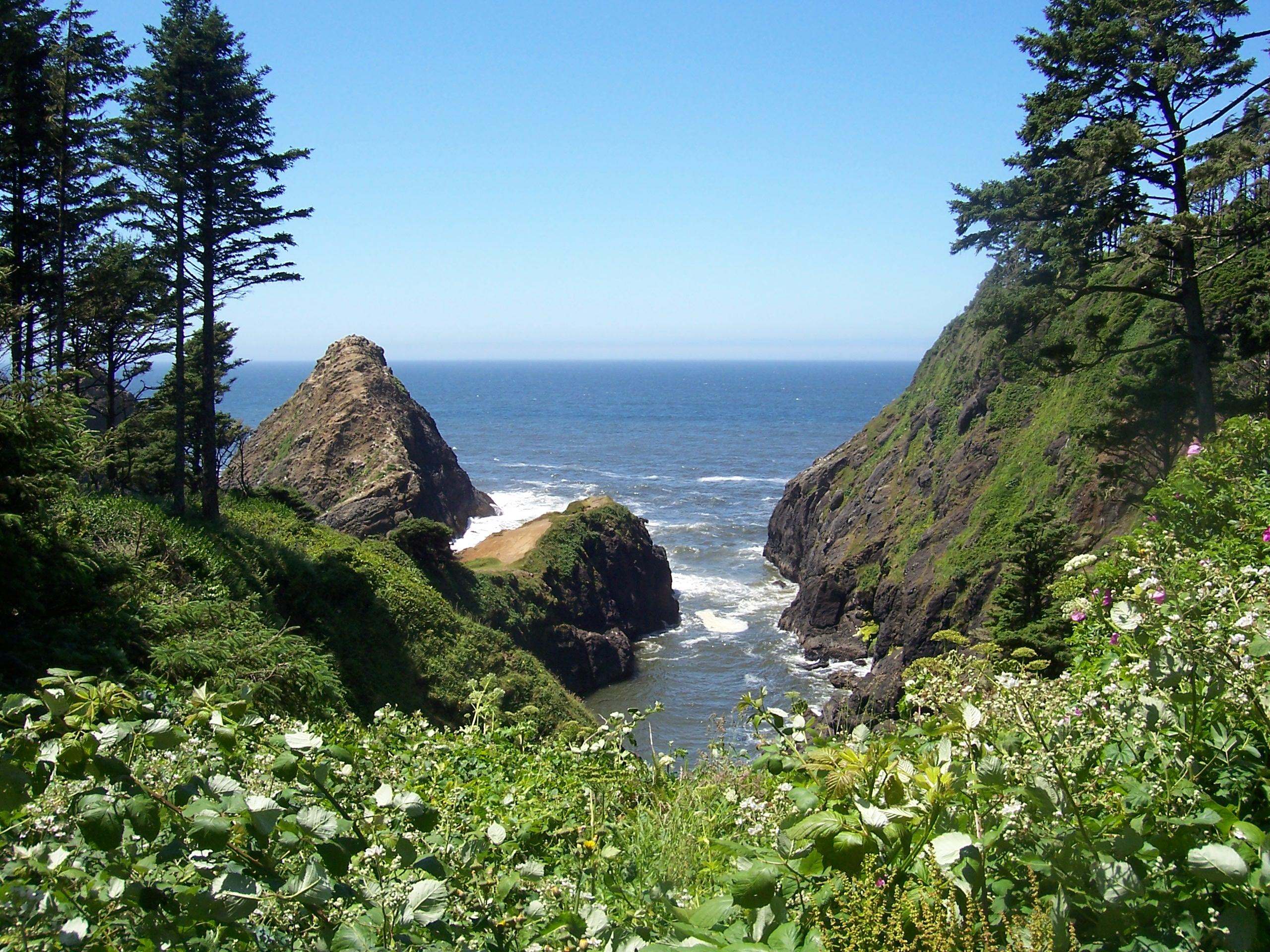 Finger of land between cliffs