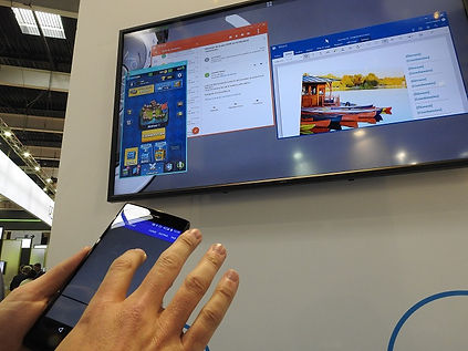 Smartphone OXI Wireless Display to TV