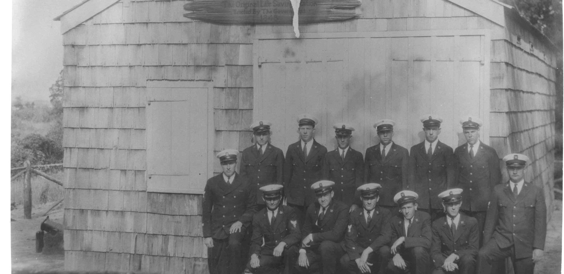 CG Crew at Spermaceti Cove LSS 1930.jpg
