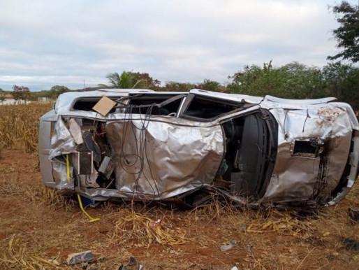 Capotamento de veículo deixa uma vítima fatal e outra ferida no Cariri