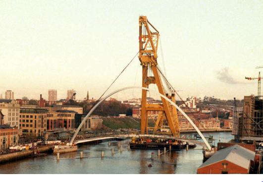 Asian Hercules II delivering the Millennium Bridge