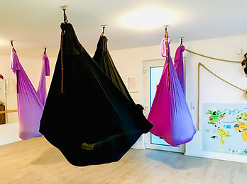 POP Kinder AERIAL Yoga Wiesbaden