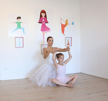Kinder Ballett in POP Kinder Yoga Studio Wiesbaden