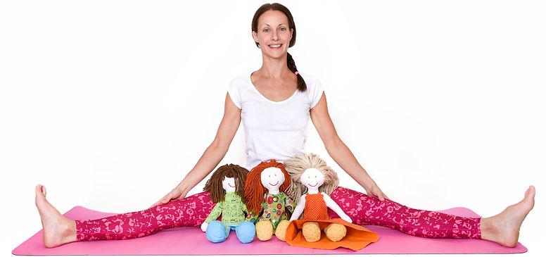 POP KIDS YOGA creator Dora Szent-Ivanyi with yoga heros Poppy, Emma & Alex.