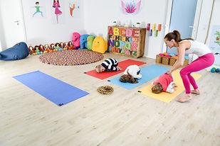 POP KIDS YOGA Wiesbaden. Child Yoga adventure classes. POP YOGA FÜR KINDER
