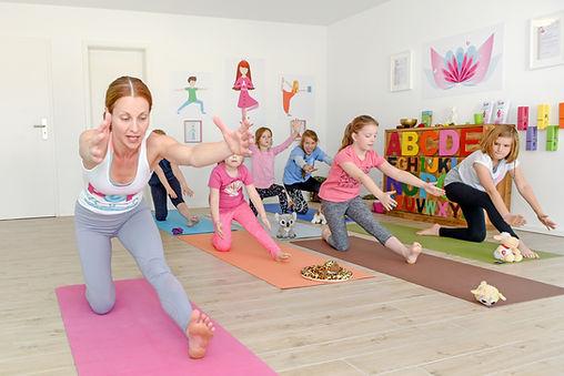 kinder yoga wiesbaden, yoga, tanzyoga wiesbaden, kinder sport wiesbaden, tanzen für kinder