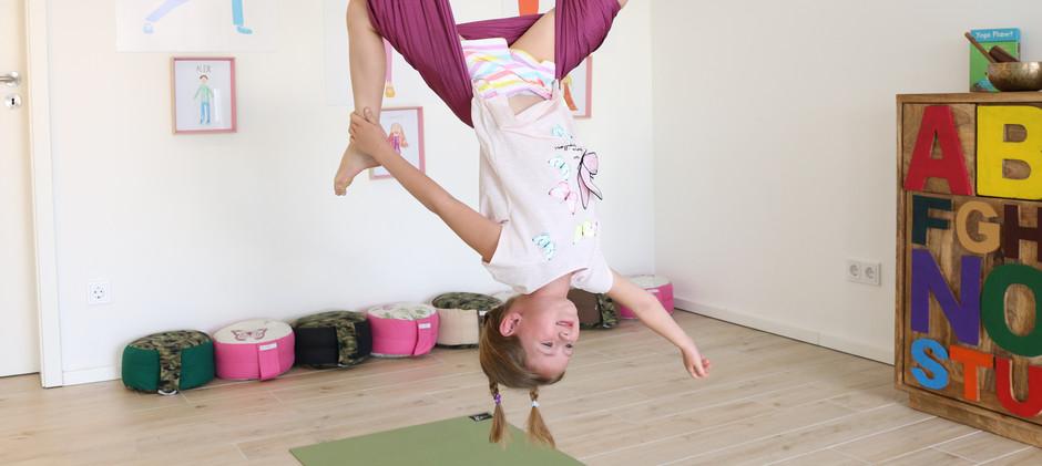 POP FLYING KIDS aerial yoga