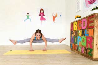 POP KINDER YOGA Funky Teen Yoga