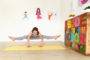 POP KINDER YOGA Funky Teen Yoga