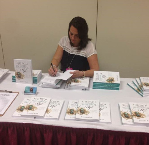 Jennifer Rash at Book signing in Pigeon Forge, Tennessee