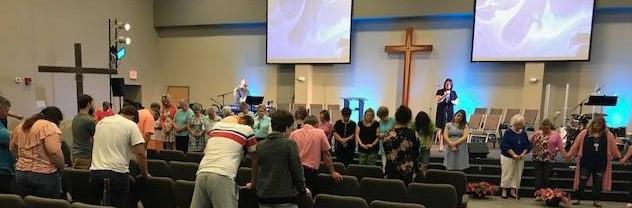 Jennifer Rash ministering at Calvary Community Church in Boiling Springs, SC