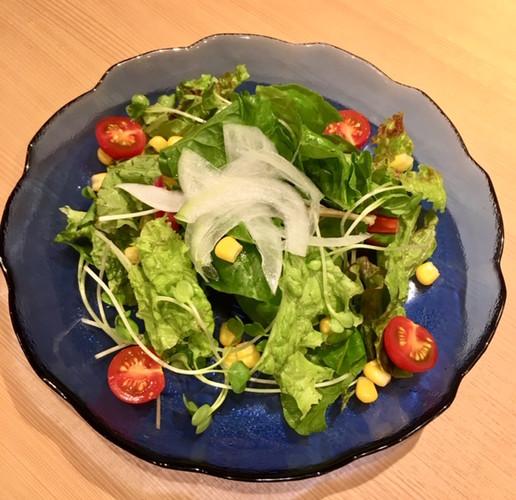 7種類の季節の野菜サラダ