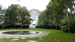 Denkmal_Sinti_Roma_(2) (1).jpg