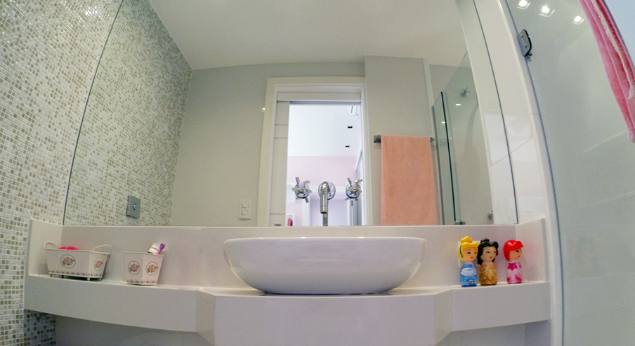 banheiromenina.jpg