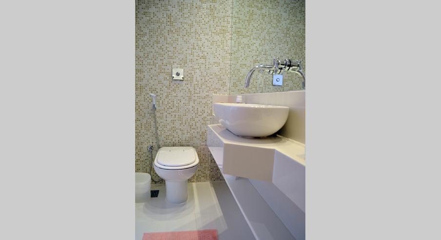banheiromenina2.jpg