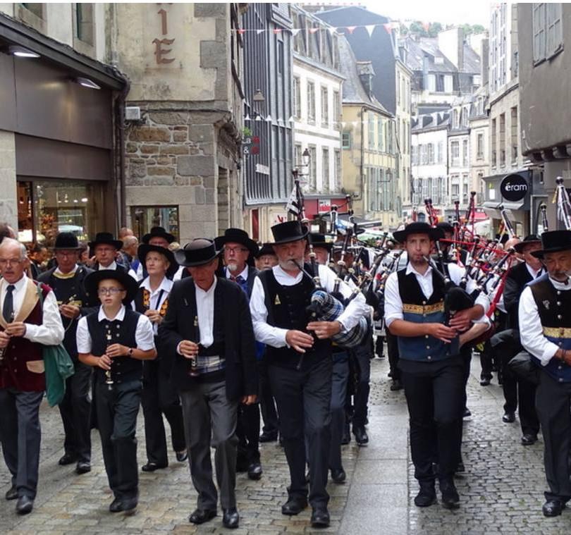 Festival de Cornouaille avec le bagad Ar Re Goz