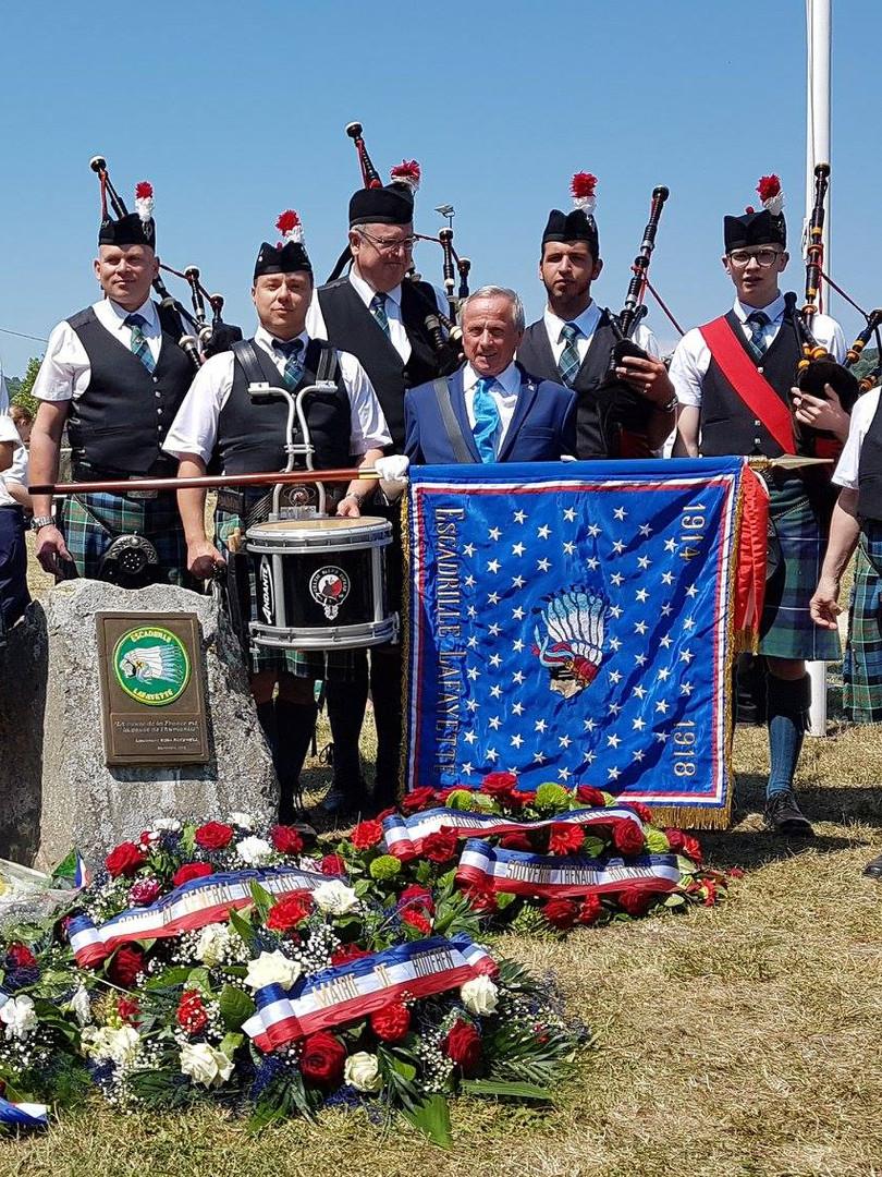 Hommage au pilote américain Kiffin Rockwell en présence de la patrouille de France