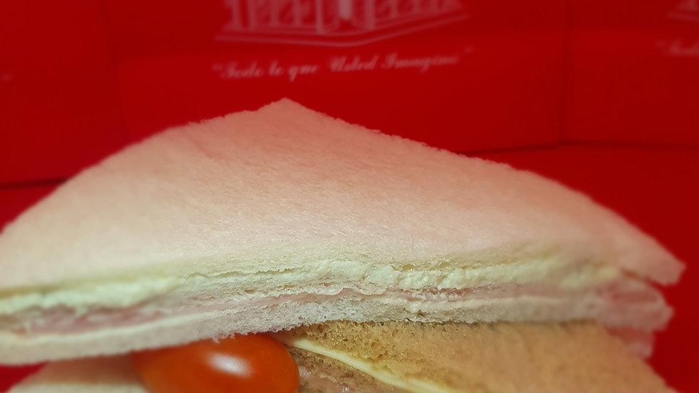 Sandwiches triples especiales