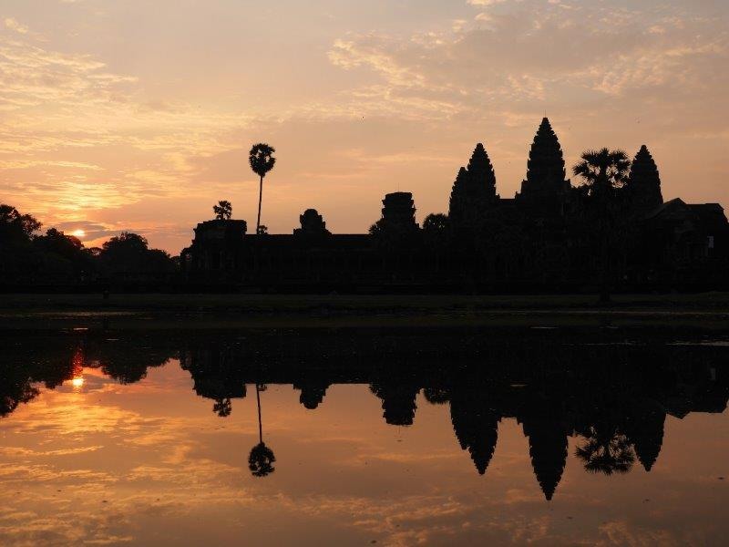 47.Angkor Wat b. Sonnenaufgang (CBD)
