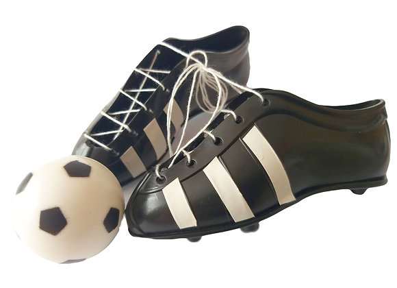 Futbola bumba un apavi