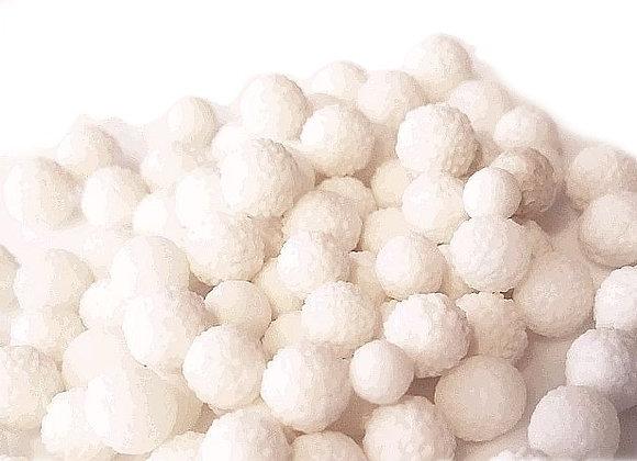 Baltas mimozas
