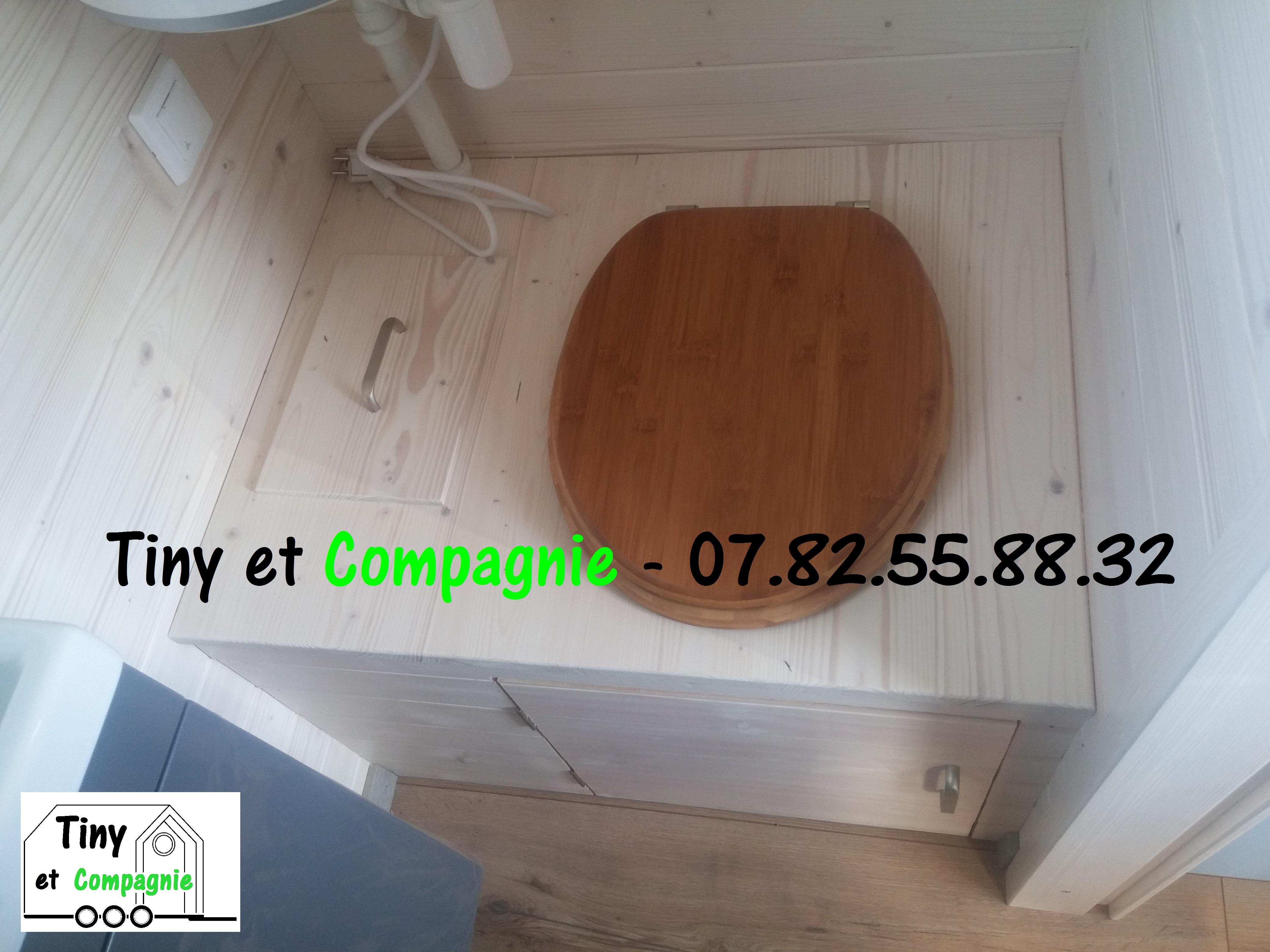 Tiny_et_Compagnie_-_Colibri_2019_(Toilet