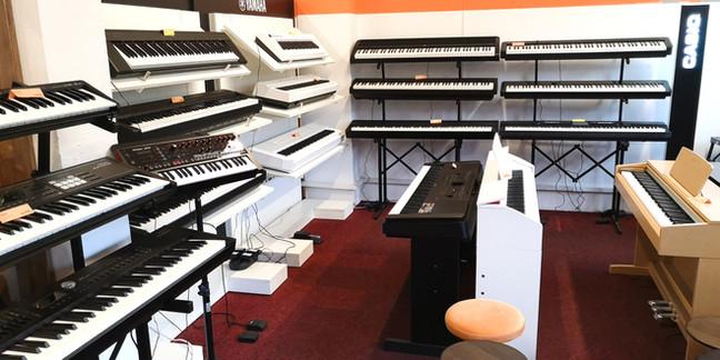 1. patro s přenosnými piany od Korg B2 až po Yamaha CP88