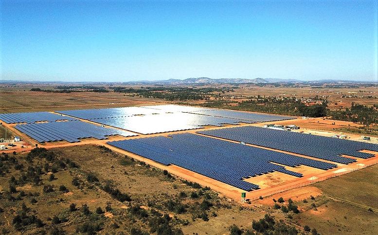 ferme solaire Ambatolampy.jpg