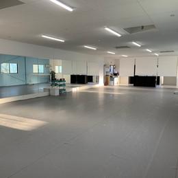 約100㎡の広いスタジオ