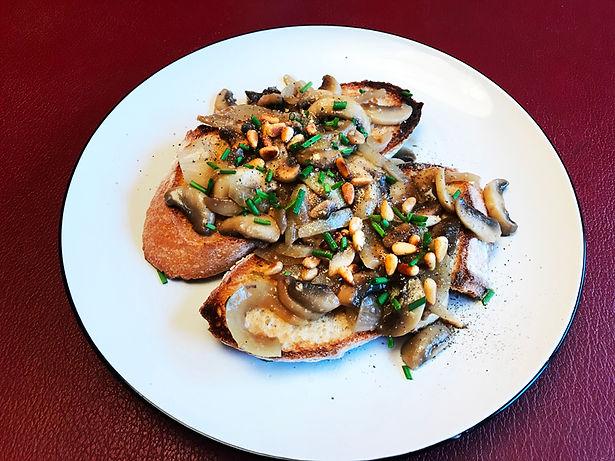 Toast-mushrooms.jpg