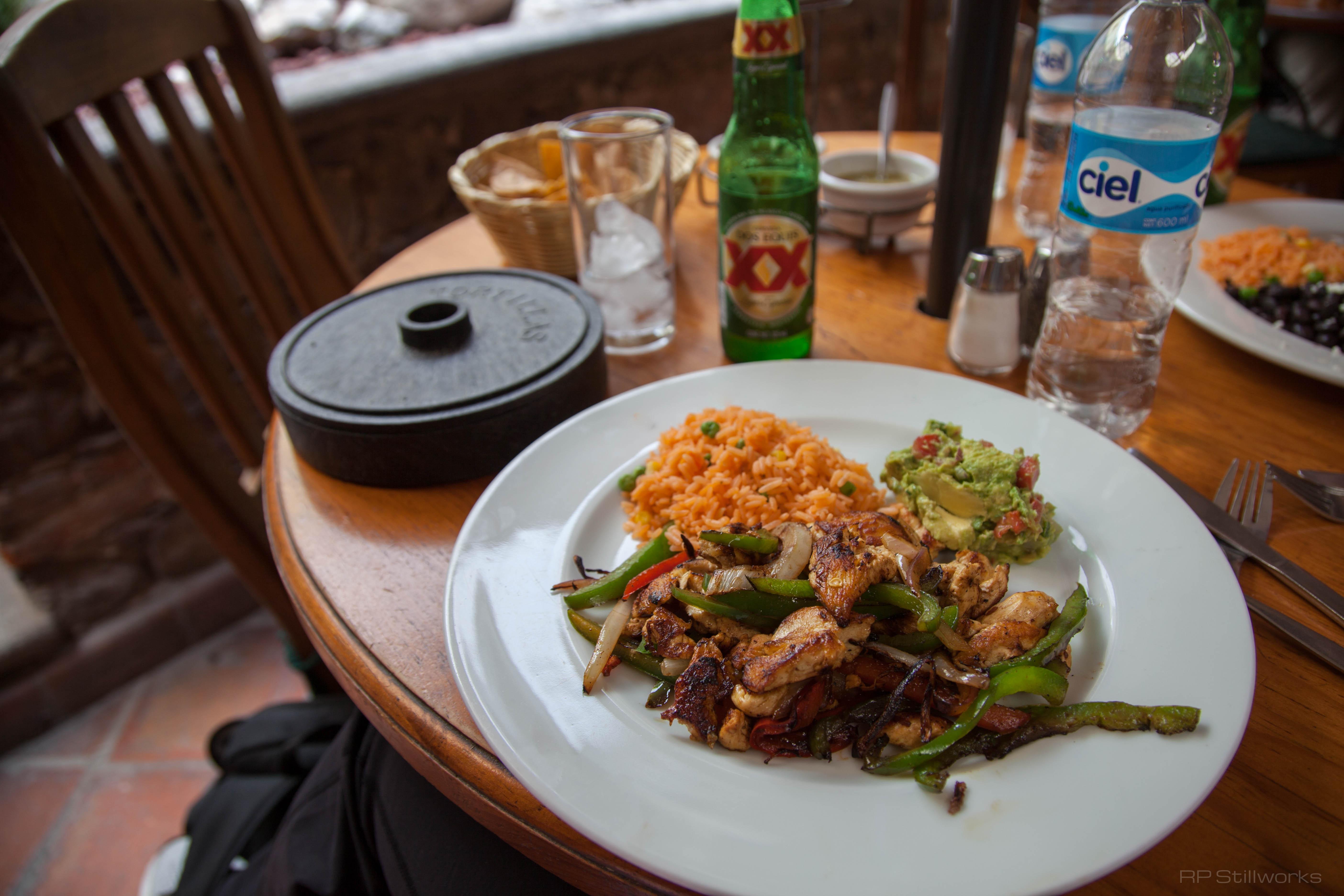 Hecho en Mexico's Chicken Fajitas