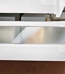 GS | Frostet glass på skuffesider i hyllekjøkken