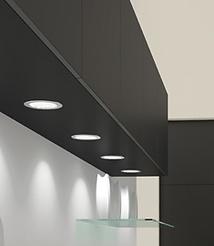 H | Vegghengte skap m/ innfelte LED-spotter (E)