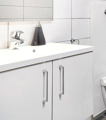 Standard: hvite fronter, vask i støpemarmor (eller tilsvarende) 2.etg.