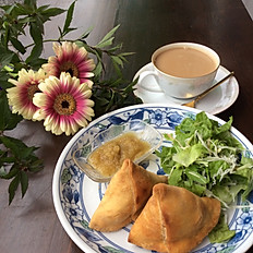 サモサ物語 Home made samosas with chai or coffee